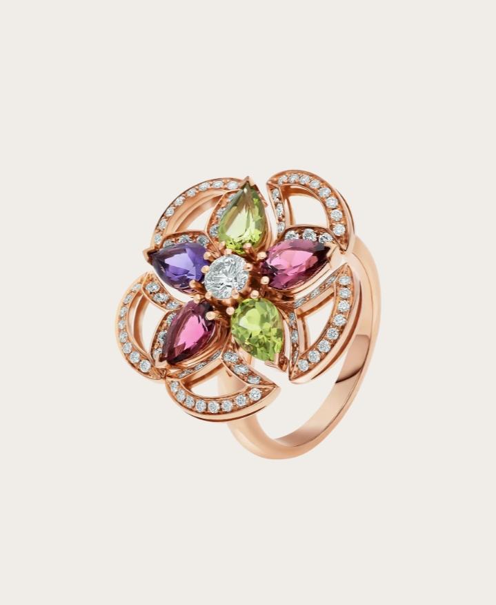 خاتم فاخر مُرصع بالأحجار الكريمة الملونة من علامة بولغري Bvlgari