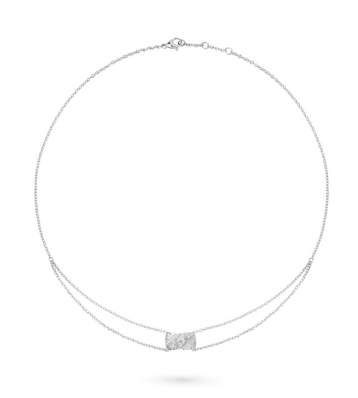 سلسلة قصيرة للتكديس بالذهب الأبيض من علامة شانيل Chanel