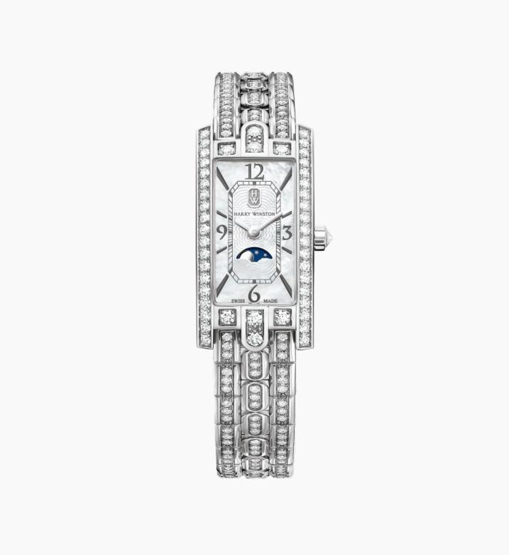 ساعة راقية بالألماس من ماركة هاري وينستون Harry Winston