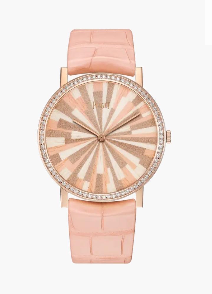 ساعة يد جذابة باللون القرنفلي من ماركة بياجيه Piaget