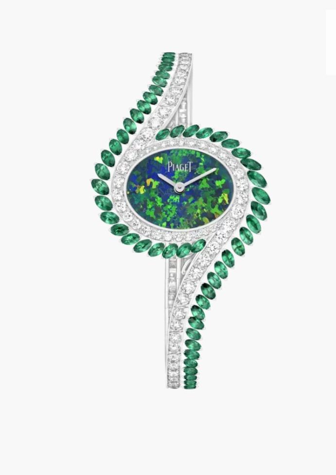 ساعة Limelight Gala من الألماس الأبيض والزمرد الأخضر من ماركة بياجيه Piaget