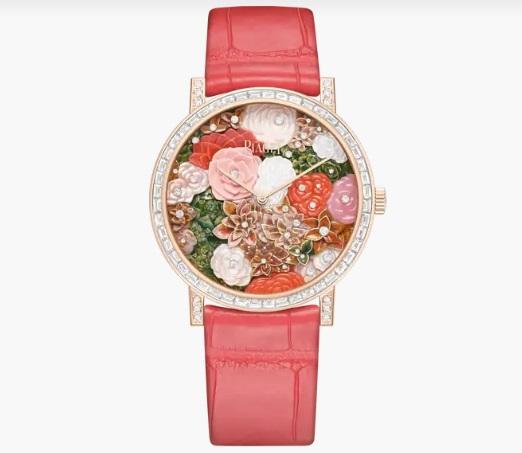 ساعة حمراء من بياجيه Piaget