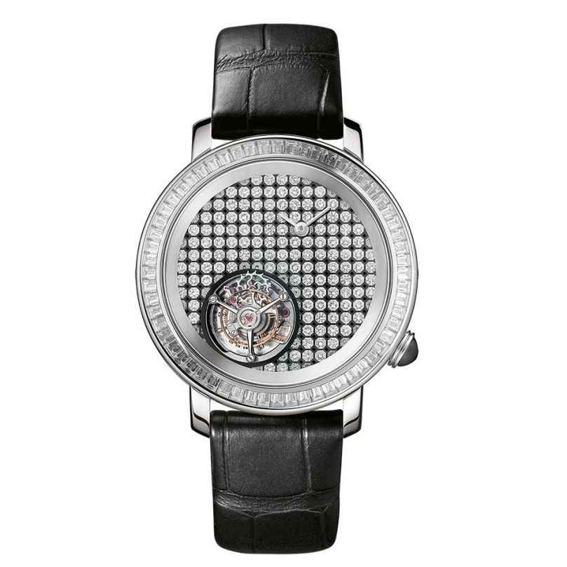 ساعة نسائية بمينا دائرية مرصعة بالألماس من بوشرون Boucheron