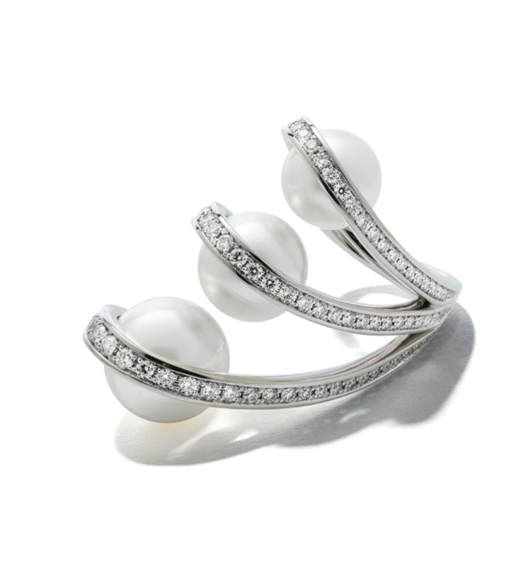 خاتم مرصع باللؤلؤ الأبيض والماس من علامة تساكي Tasaki