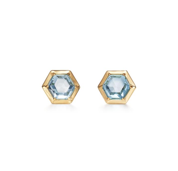 أقراط أذن أنيقة بالذهب والتوباز الأزرق من دار تيفاني أند كو Tiffany & Co