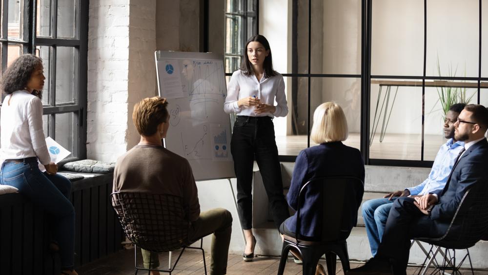 ما هي مهام المدير العام في الشركات؟
