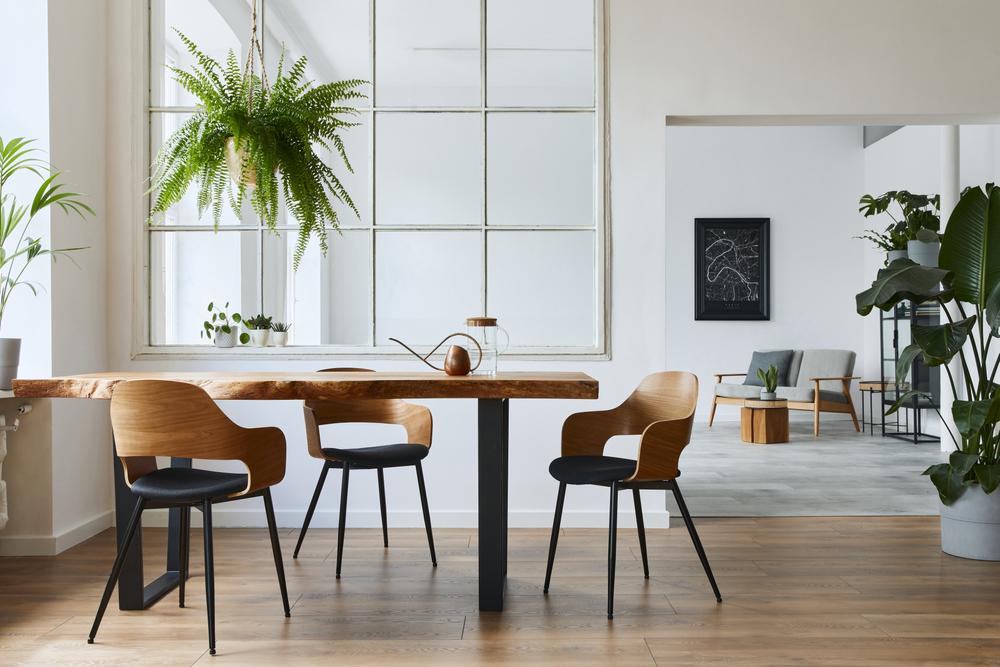 طاولات الطعام الخشبية