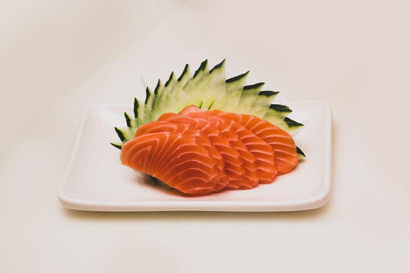 تناول سمك السلمون مفيد في فترة التوتر النفسي