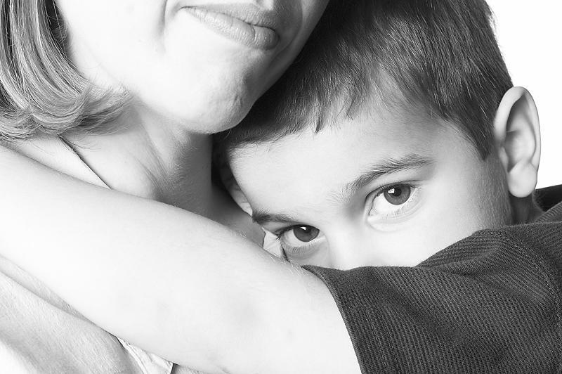 كيفية التعامل مع الخجل الشديد عند الاطفال