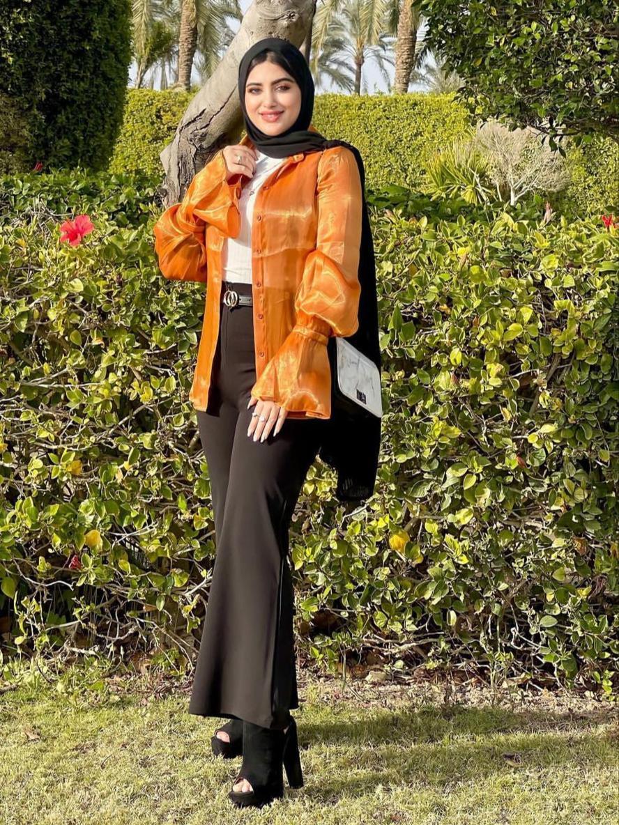 3 شيماء محمد باطلالة صيفية بالبنطلون القصير الواسع -الصورة من حسابها على الانستغرام