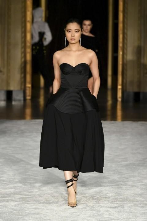 فستان خطوبة كورسيه من Christian Siriano