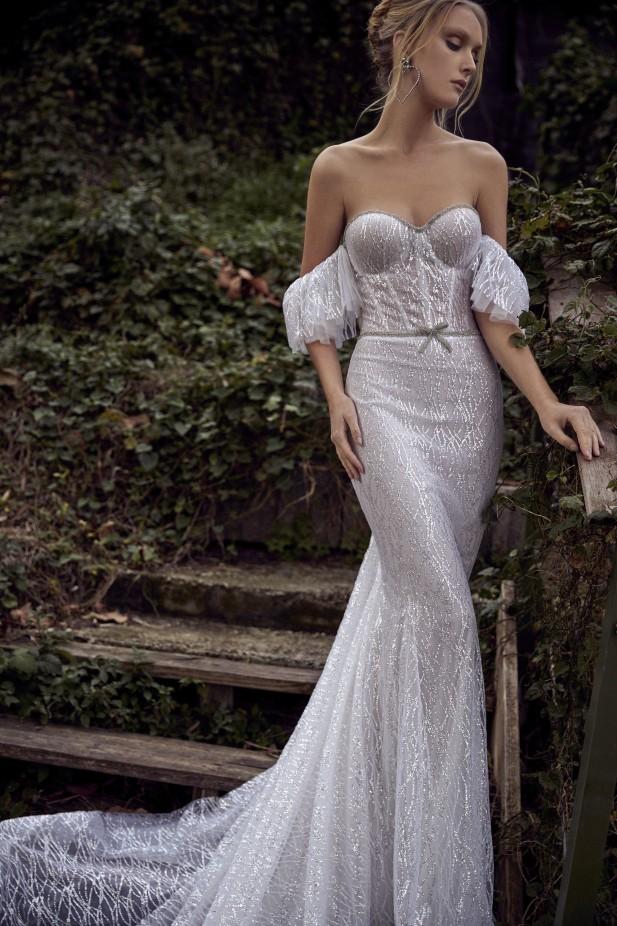 فستان خطوبة كورسيه من Julie Vino Genesis