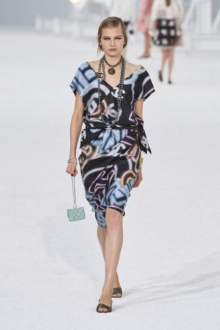 فستان من شانيل Chanel