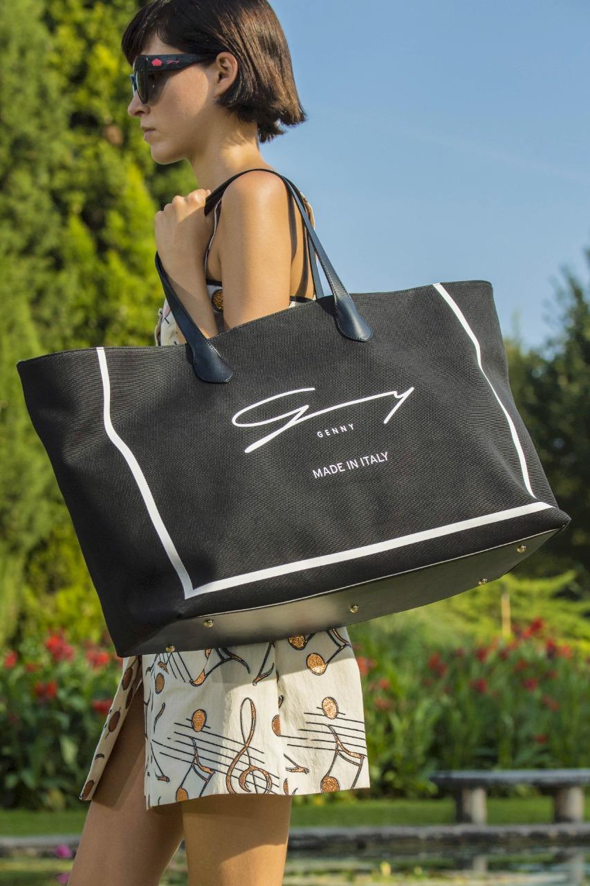 حقيبة يد كبيرة من ماركة جيني «Genny»