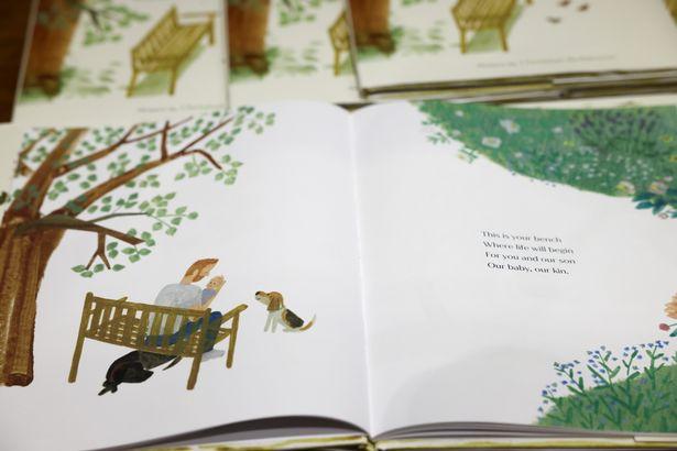 كتاب The Bench- الصورة من موقع ميرور