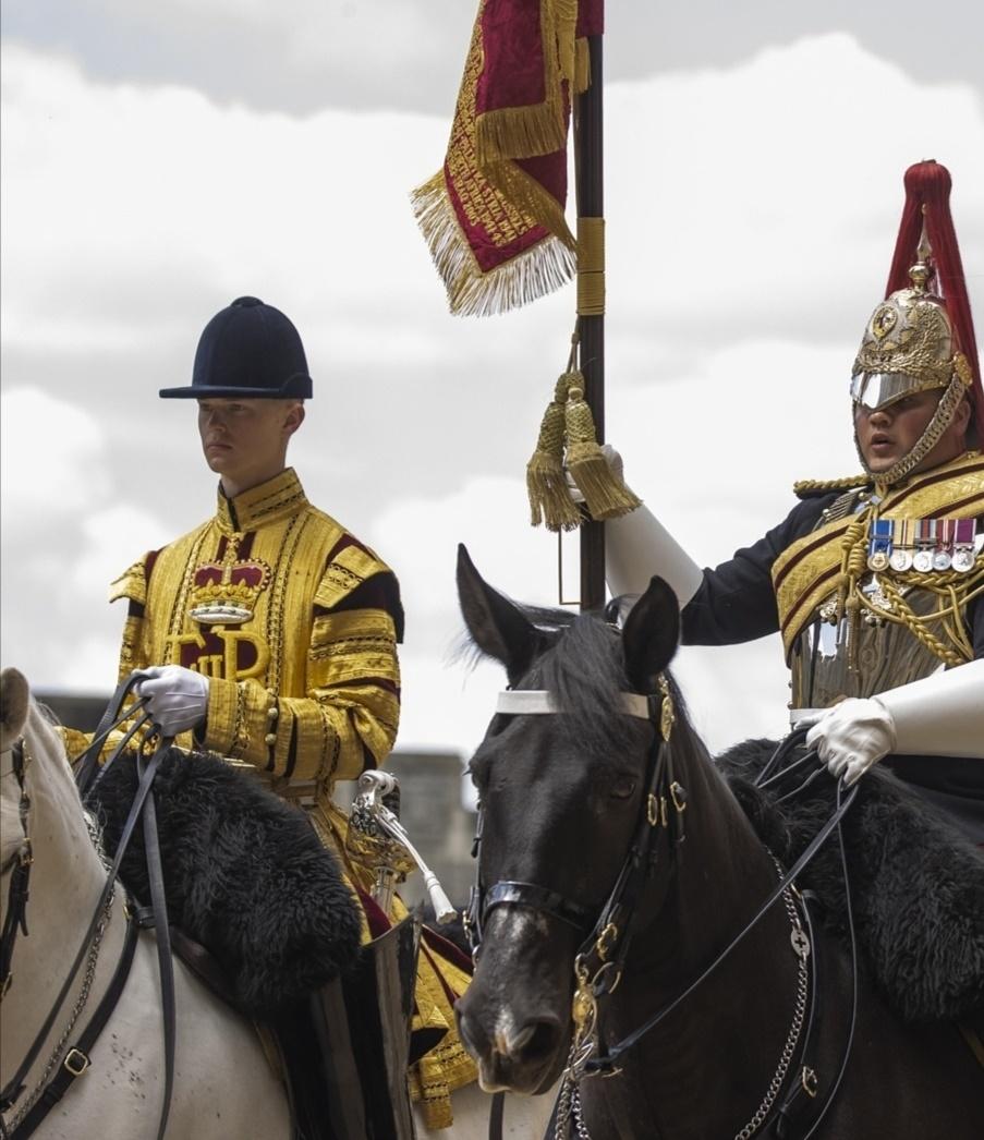 الحرس الملكي- الصورة من حساب The royal family  على إنستغرام