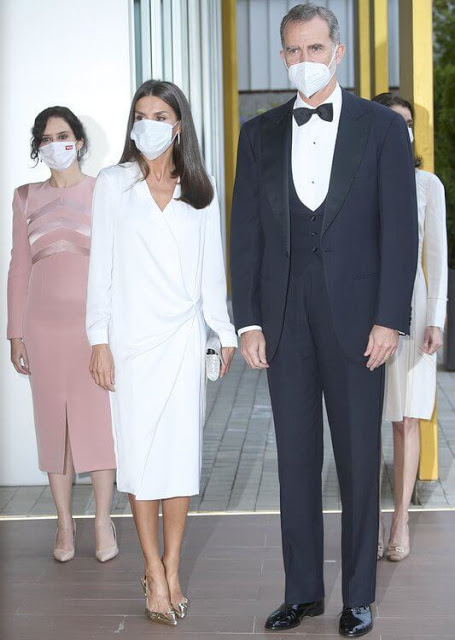 الملك فيليب السادس والملكة ليتيتزيا الصورة من موقع New my royals