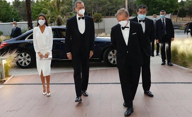 الملك فيليب السادس والملكة ليتيتزيا أثناء دخولهما الحفل- الصورة من موقع New my royals