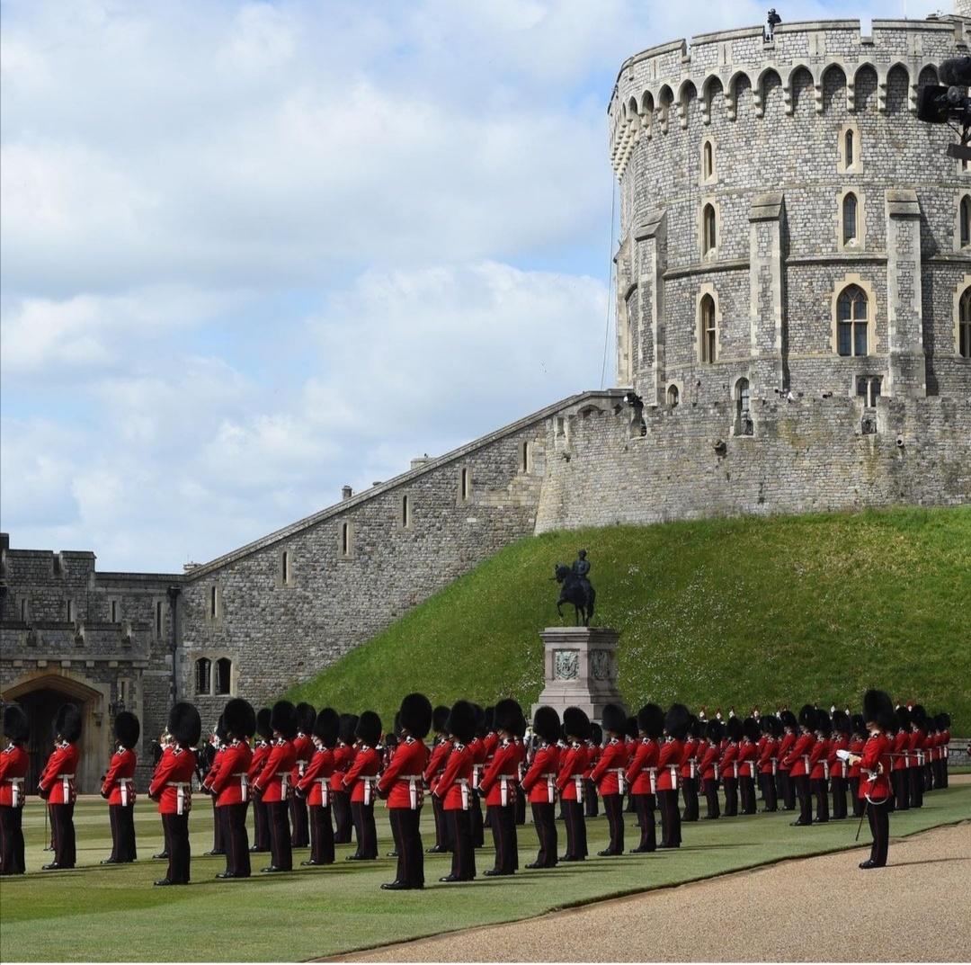 إصطفاف الجنود في قلعة وندسو- الصورة من حساب The royal family  على إنستغرام