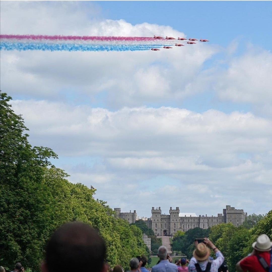 تحليق طائرات سلاح الجو- الصورة من حساب The royal family  على إنستغرام