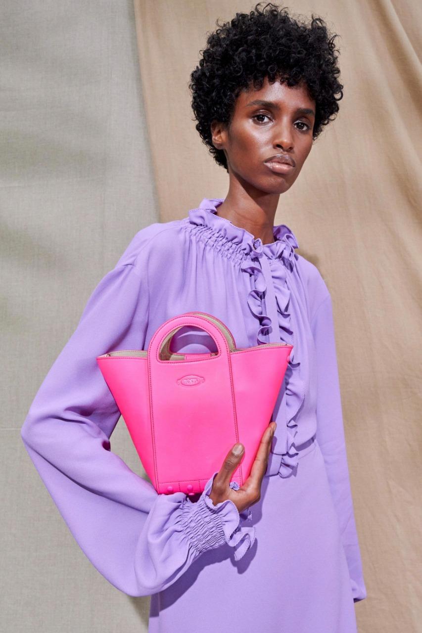 """حقيبة يد صغيرة باللون الزهري من ماركة تود أس """"Tod s"""""""