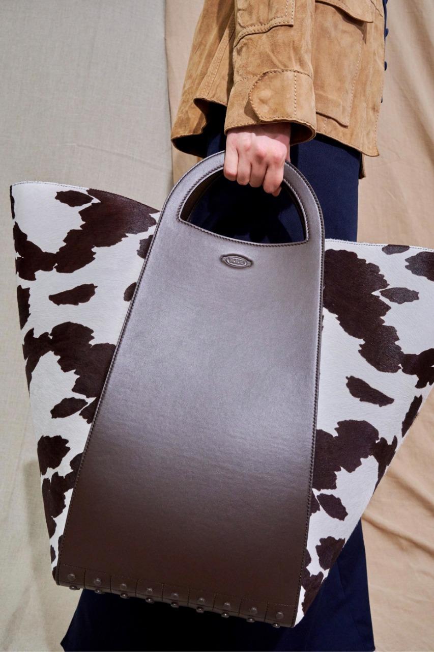 حقيبة يد كبيرة من ماركة تود إس «Tod s»