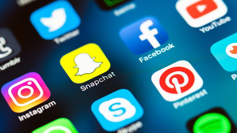 حماية حسابات مواقع التواصل الاجتماعي