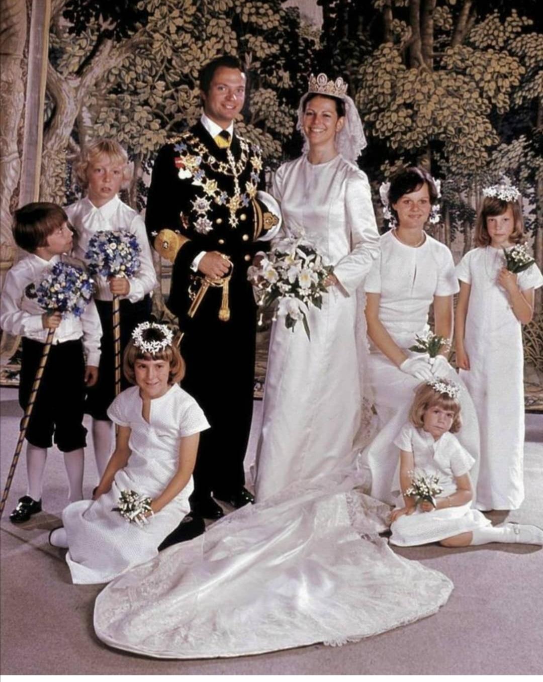 الملك كارل السادس عشر غوستاف والملكة سيلفيا سومرلاث- الصورة من حساب The Royal watcher diaryعلى إنستغرام