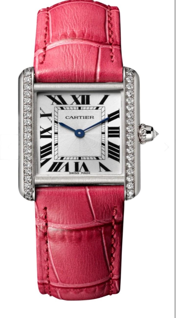 """ساعة يد راقية باللون الوردي من علامة كارتييه """"Cartier"""""""