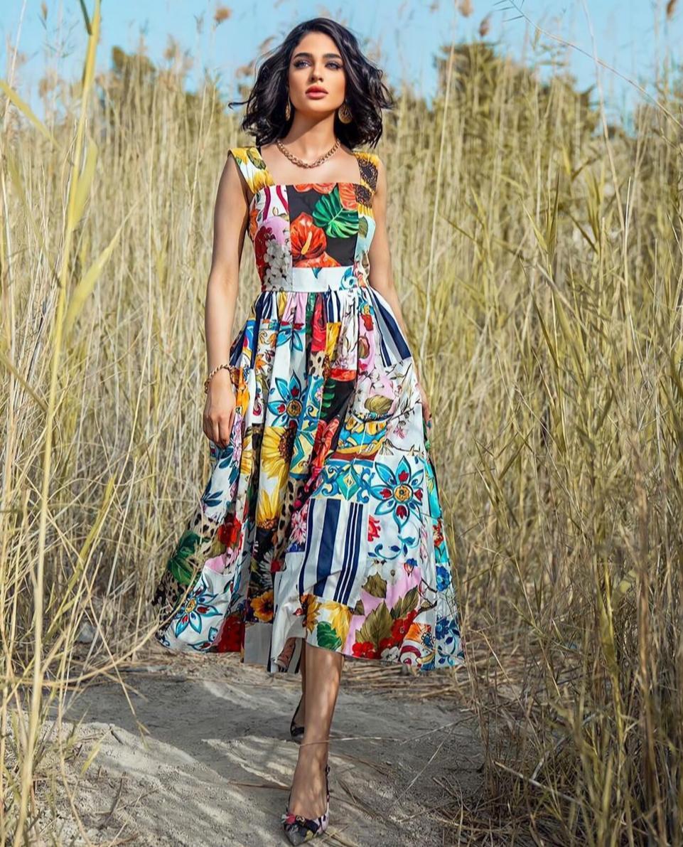 ليالي دهراب بفستان مطبع -الصورة من حسابها على الانستغرام