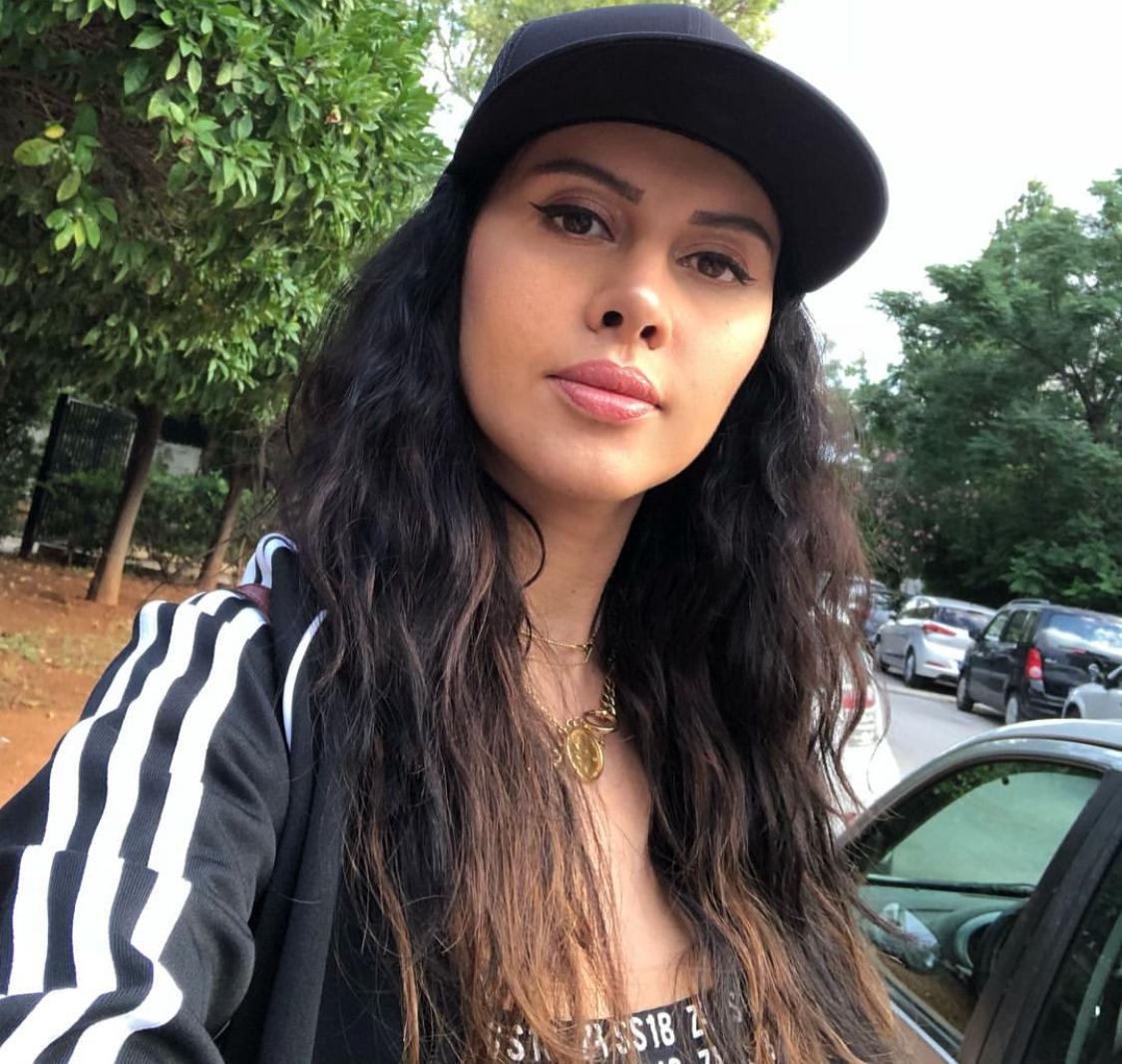 ياسمين رئيس بتسريحة الشعر المجعد -الصورة من حسابها على الانستغرام