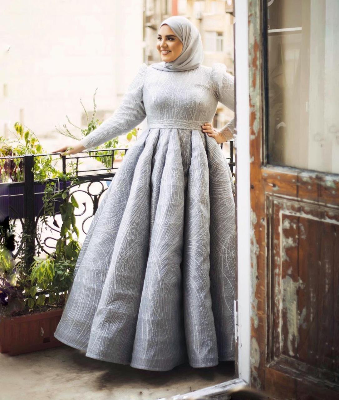 ياسمين وجدي بفستان سهرة منفوش -الصورة من حسابها على الانستغرام