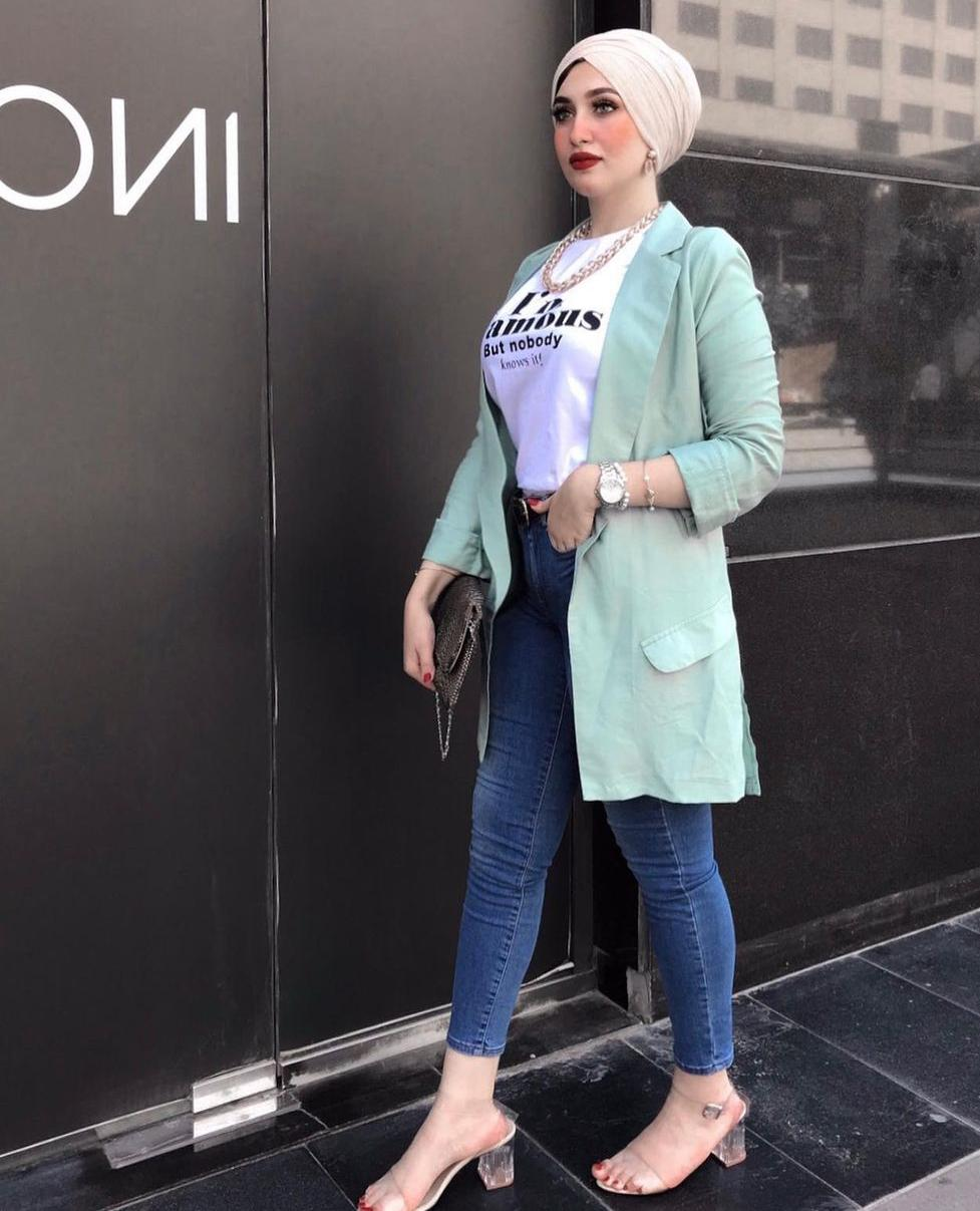 7 ميادة حمدان ببليزر بلون الباستيل -الصورة من حسابها على الانستغرام
