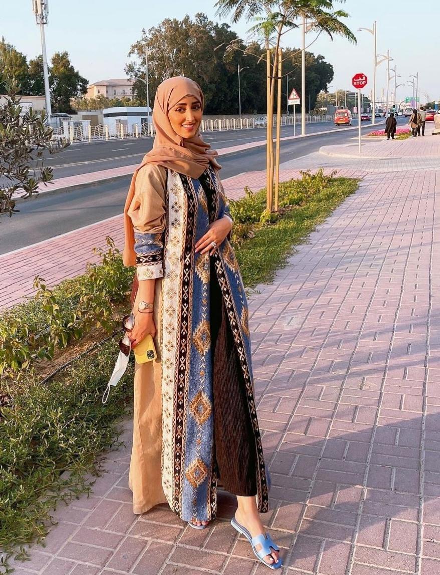 نجود مشعل بالبشت المطرز -الصورة من حسابها على الانستغرام