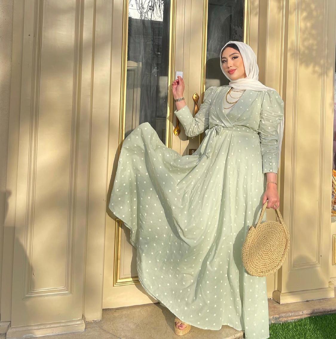 سمية نبيل بفستان بلون الباستيل -الصورة من حسابها على الانستغرام