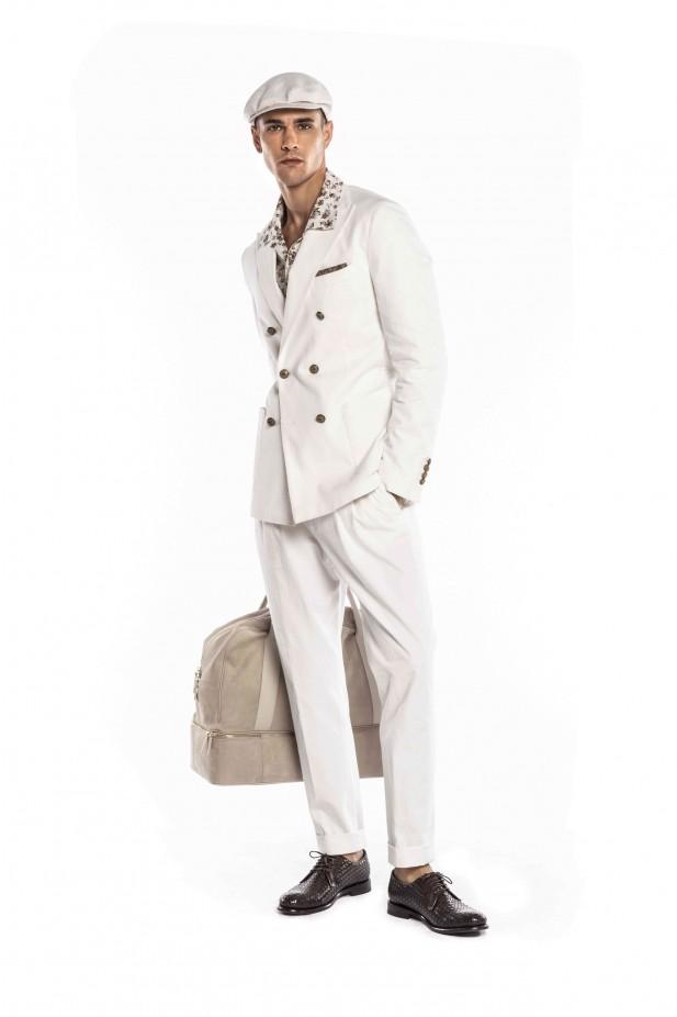 بدلة بيضاء من Eleventy