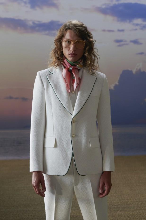 بدلة بيضاء من كازابلانكا Casablanca