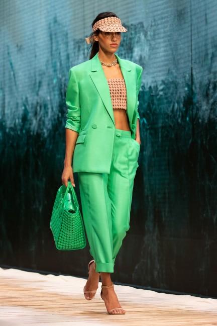 بدلة نسائية خضراء من رالف آند روسو Ralph & Russo-صورة 3