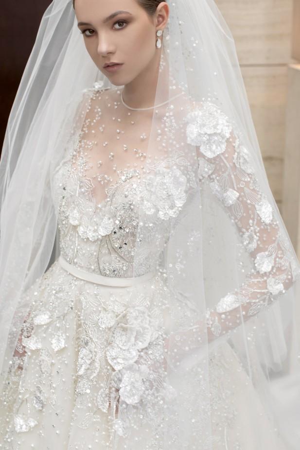 فستان عروس مزين بالورود من إيلي صعب Elie Saab-صورة 2