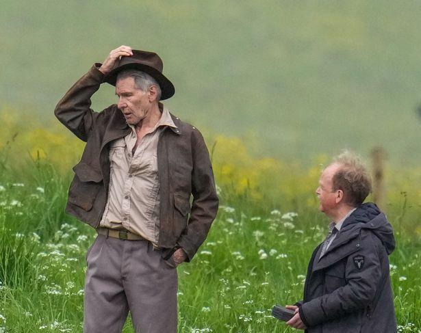 هاريسون فورد أثناء تصويره الجزء الخامس من الفيلم- الصورة من موقع ميرور