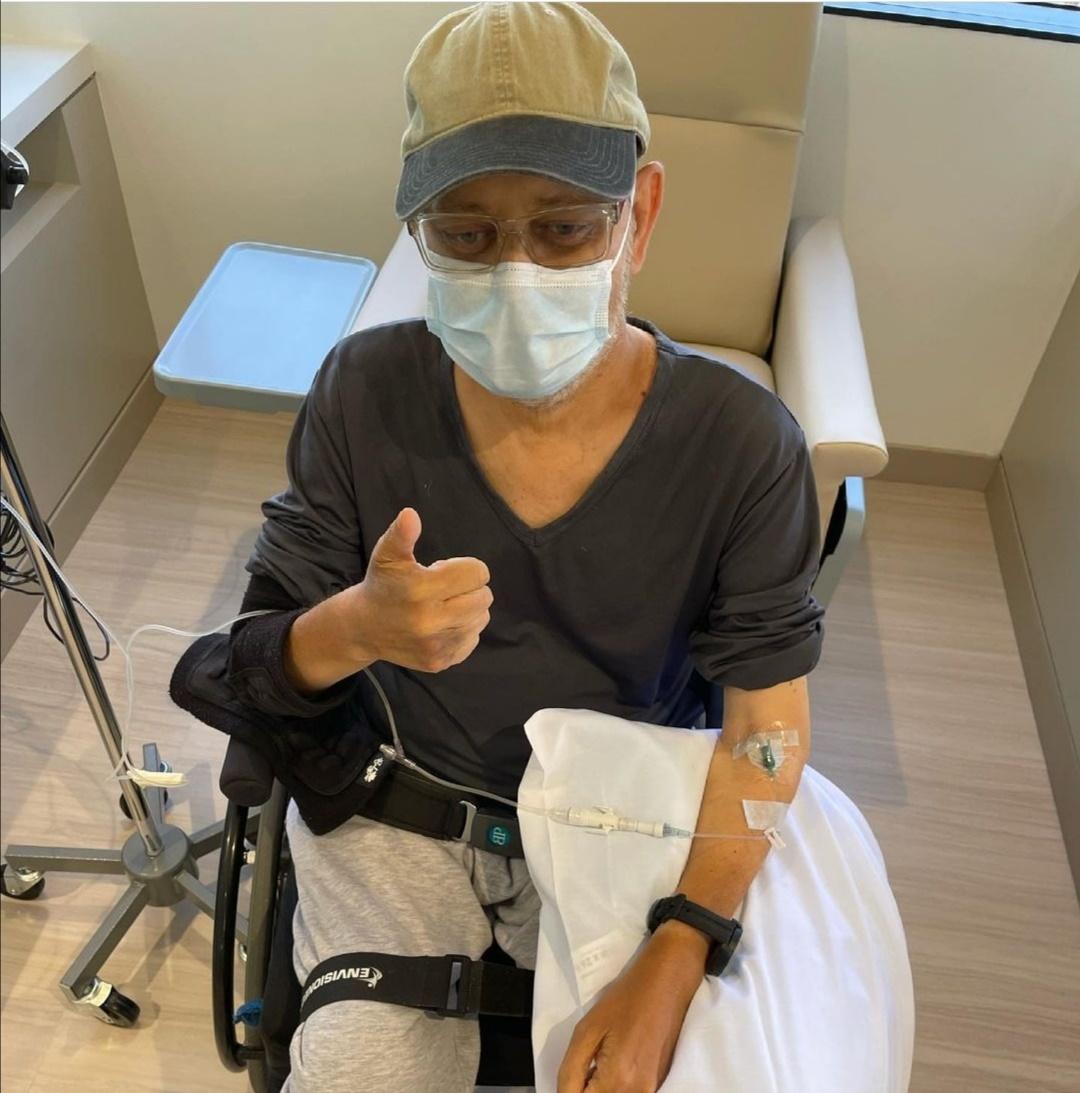 جيمس مايكل تايلر في مرضه- الصورة من حساب جيمس تايلر على إنستغرام