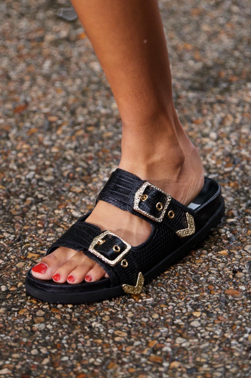 أحذية سوداء من ماركة Koché