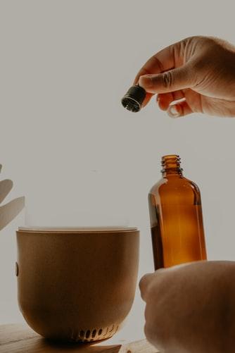 كيفية استخدام الزيوت للشعر