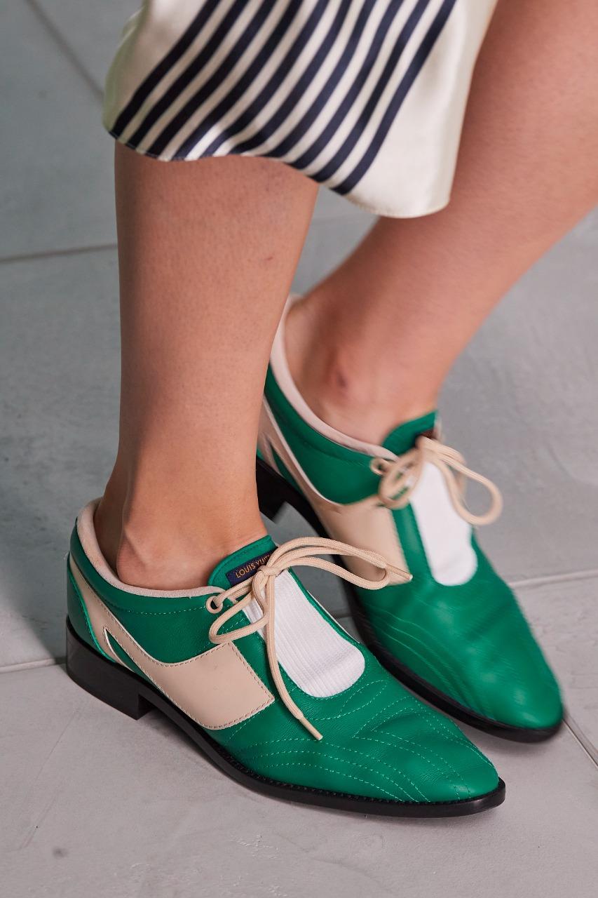 Louis Vuitton حذاء مسطّح بالجلد من