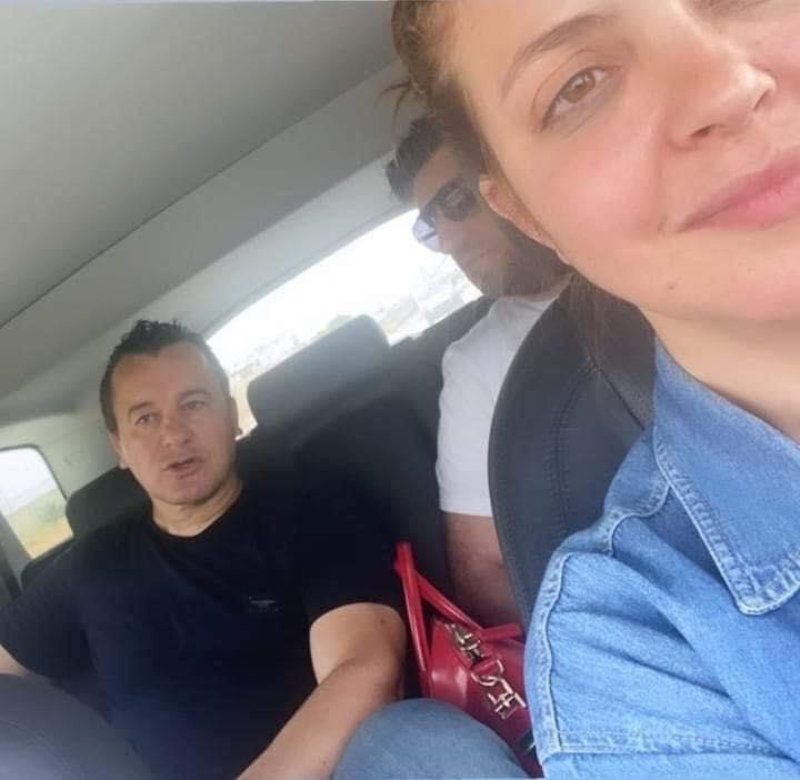 سامي  الفهري مع بعض  افراد اسرته حال خروجه من السجن   الصورة   من موقعه على الفايس بوك