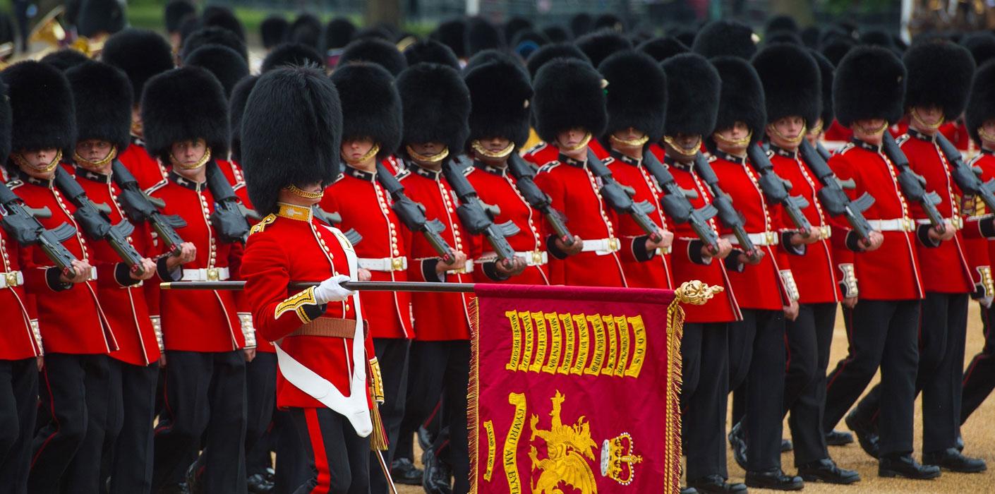 إصطفاف أكثر من 1400 جندي استعراضي- الصورة من موقع Royal