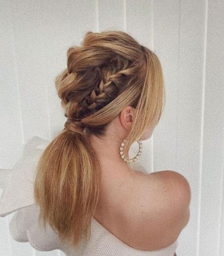 تسريحة الجدائل مع ذيل الحصان المنخفض - الصورة من صفحة أنستجرام Hair Styles irina