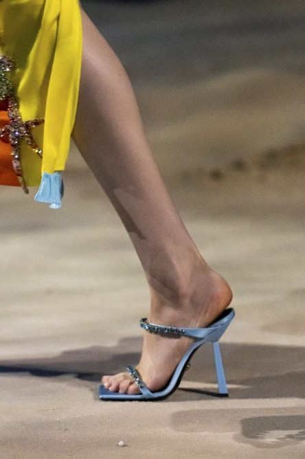 Versace   فرساتشي