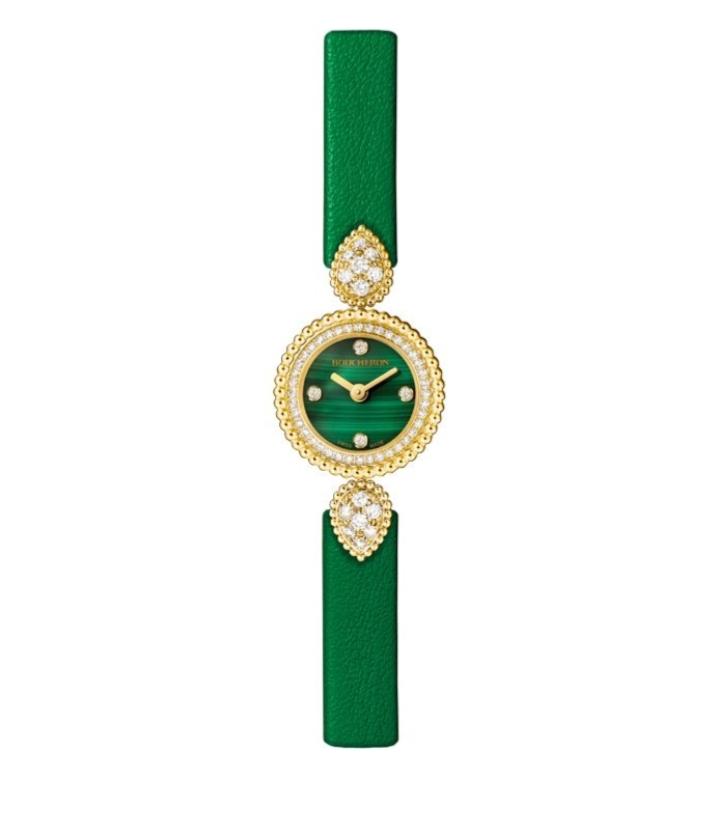 """ساعة يد فاخرة باللون الأخضر من ماركة بوشرون """"Boucheron"""""""