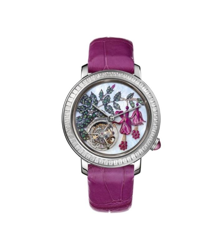 """ساعة يد زاهية باللون الأرجواني من ماركة بوشرون """"Boucheron"""""""